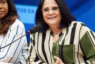 Damares exonera nove funcionários ligados à Tia Eron
