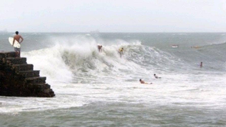 Marinha emite aviso de ventos fortes e ondas até de 2,5 metros em Salvador