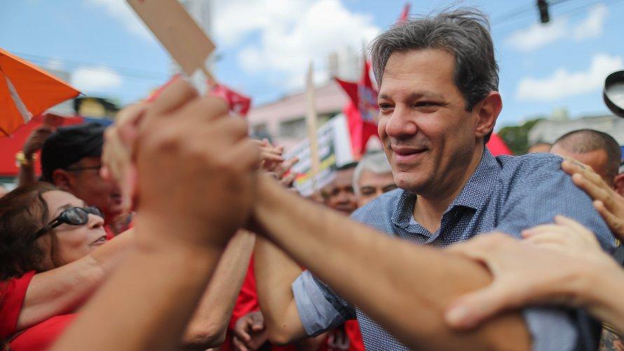 Se eleição fosse hoje, Haddad venceria Bolsonaro por 42% a 36%, indica Datafolha