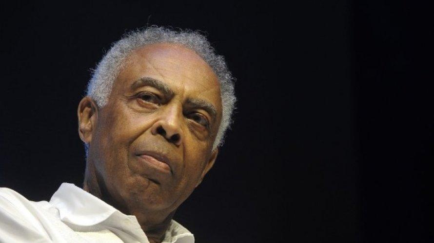 """""""Está cada vez mais perto"""", diz Gilberto Gil após gritos de """"Lula livre"""" em show"""