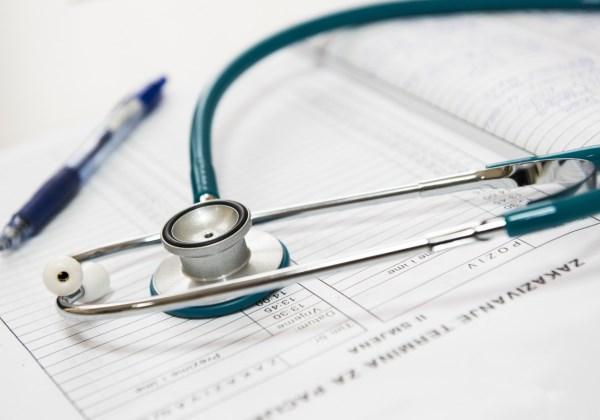 OMS mostra que 5 pessoas morrem a cada minuto por erro médico
