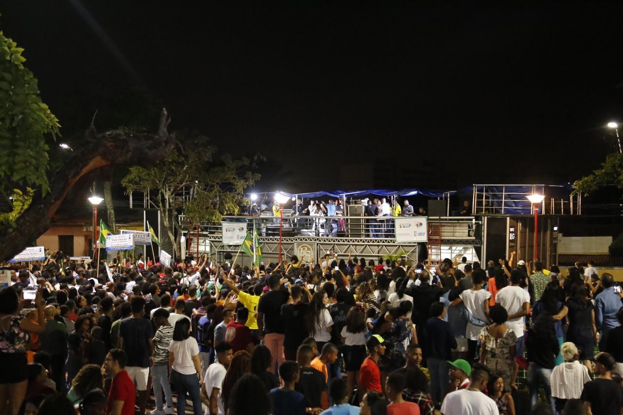 Marcha para Jesus reúne milhares de pessoas no centro de Lauro de Freitas