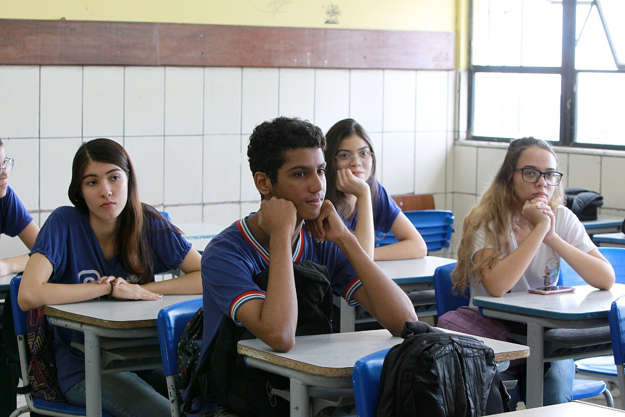 Com 10 mil monitores, Mais Estudo inicia sessões de reforço escolar