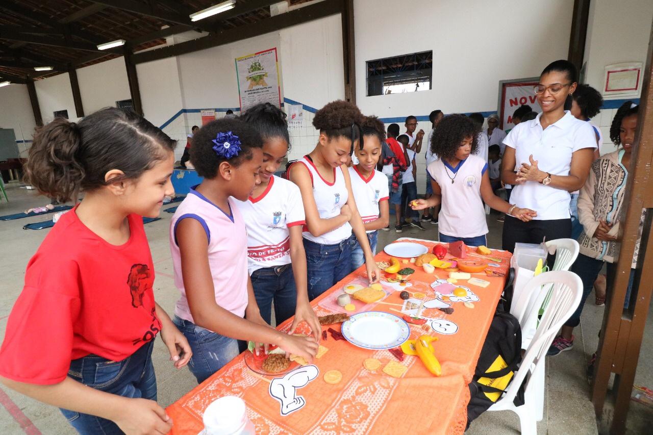 Programa leva conhecimento e educação em saúde à Escola Municipal Santa Júlia