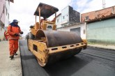 Prefeitura pavimenta ruas no Loteamento Santa Bárbara, em Itinga