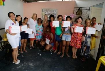 SPM entrega certificados de curso de formação para mulheres de Lauro de Freitas