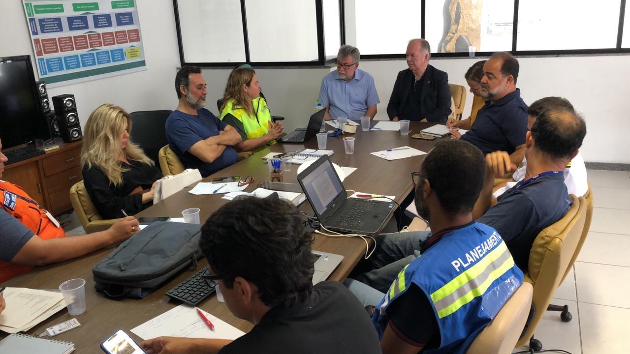Óleo em praias: Governo da Bahia prepara decreto de emergência