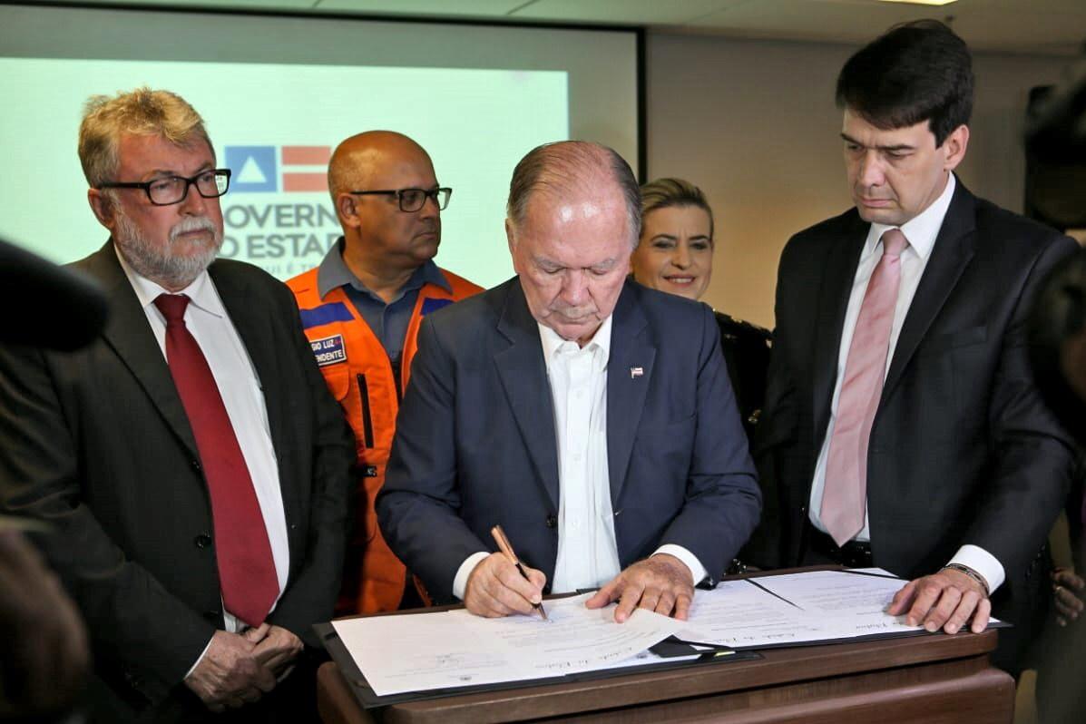 Assinado decreto de emergência para apoio a cidades atingidas por manchas de óleo