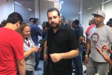 """Em ato pró-Lula, Boulos fala em """"derrubar Bolsonaro"""""""