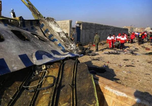 Irã prende os responsáveis por queda de avião