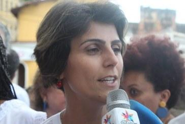 """Manuela vê aproximação de frentes de esquerda e diz que Lula é """"capaz de unir o povo brasileiro"""""""