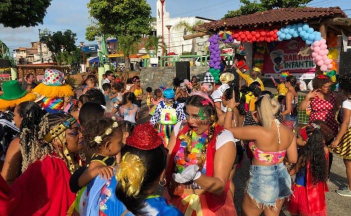 Lauro Folia garantiu a diversão da criançada nos bairros da Itinga e Centro