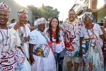 Moema participa do tradicional arrastão do Bankoma em Portão