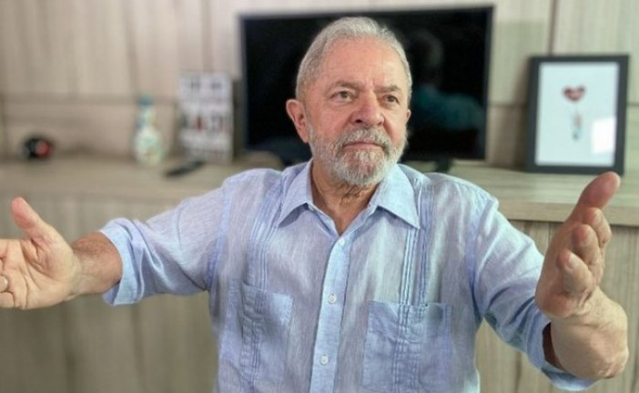 Lula: a sociedade tem o direito de destituir o desastre Bolsonaro!