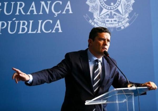 Moro pediu demissão diretamente a Bolsonaro, que não aceitou, diz fonte