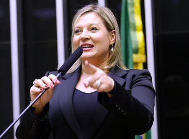 Líder do PSL na Câmara, Joice Hasselman protocola pedido de impeachment contra Bolsonaro