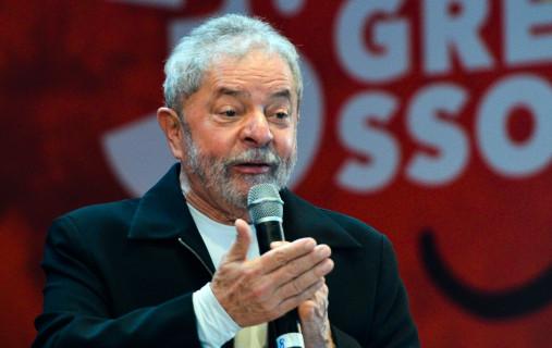 """'""""Os dois são bandidos"""", dispara Lula sobre Moro e Bolsonaro"""