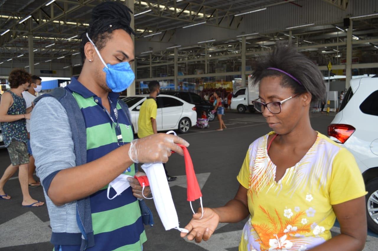 Estado disponibiliza 14 mil máscaras de tecido para estudantes na retirada do vale-alimentação