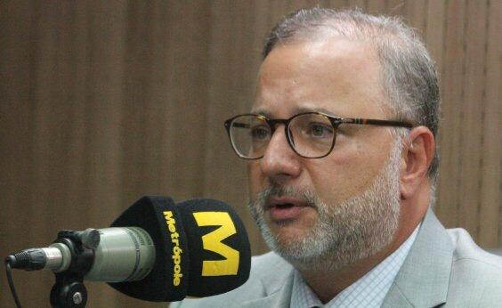 Entre maio e junho, o número de leitos destinados à Covid-19 na Bahia será insuficiente, acredita Vilas-Boas