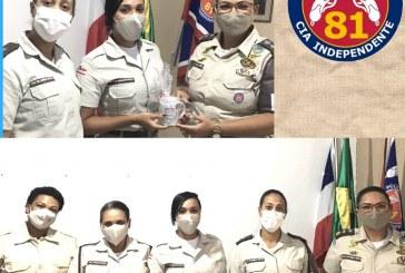 Comandante da 81ª CIPM de Itinga presenteia as Policiais da Unidade, pela passagem do Dia das Mães