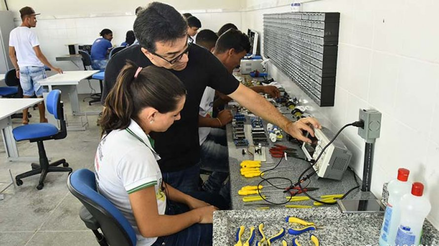 Secretaria da Educação abre 6.710 vagas do Pronatec para cursos on-line de qualificação profissional