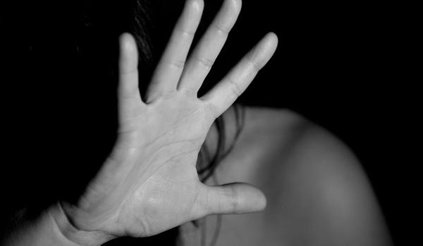 Câmara aprova medida que pode dar auxílio emergencial a mulheres em situação de violência doméstica