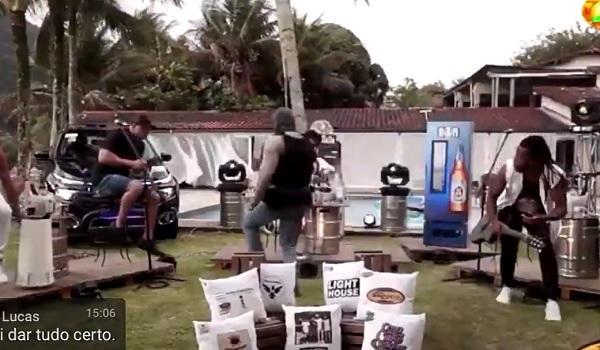 Tiroteio interrompe live de banda e seguidores assistem tudo; veja vídeo