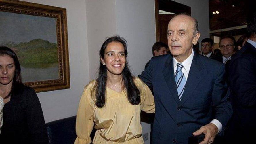 Denunciados por corrupção, Serra e filha estão no Sul da Bahia