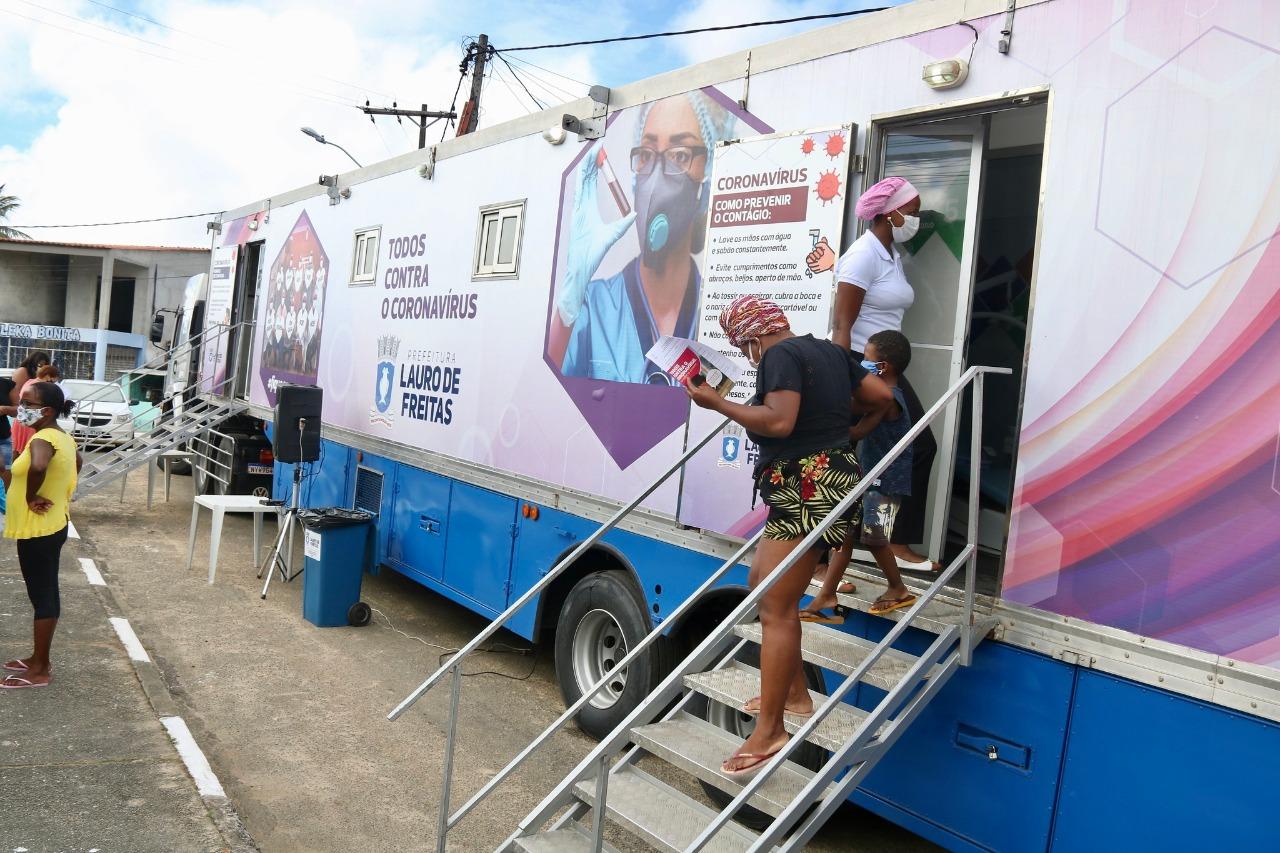 Carreta da Saúde testou moradores de Areia Branca para COVID-19 neste domingo (26)