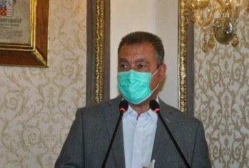 Rui diz que população perdeu 'medo' da Covid-19 e teme que eleição 'exploda' nº de casos