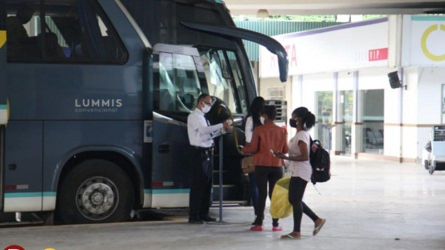 Cinco cidades baianas têm transporte intermunicipal suspenso e quatro têm atividade liberada; veja lista
