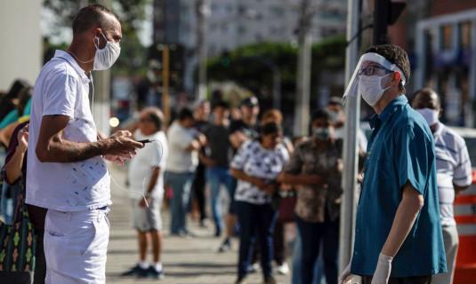 Brasil tem 1,8 milhões de pacientes curados da Covid-19; casos confirmados se aproximam de 2,7 milhões