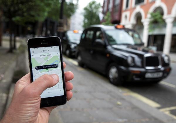 Uber fecha acordo para oferecer linha de crédito a motoristas e entregadores