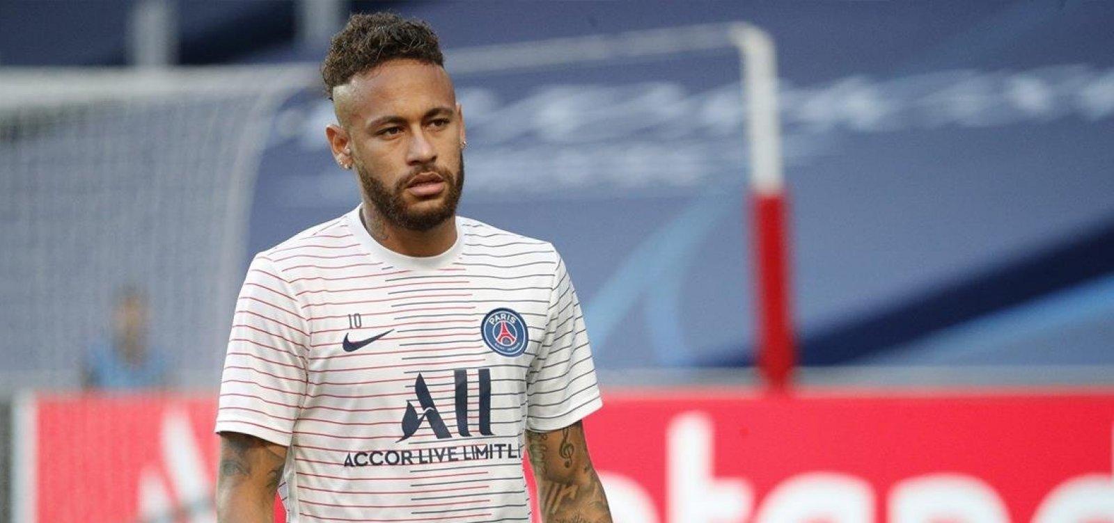 Neymar e outros dois jogadores do PSG estão com coronavírus, diz jornal
