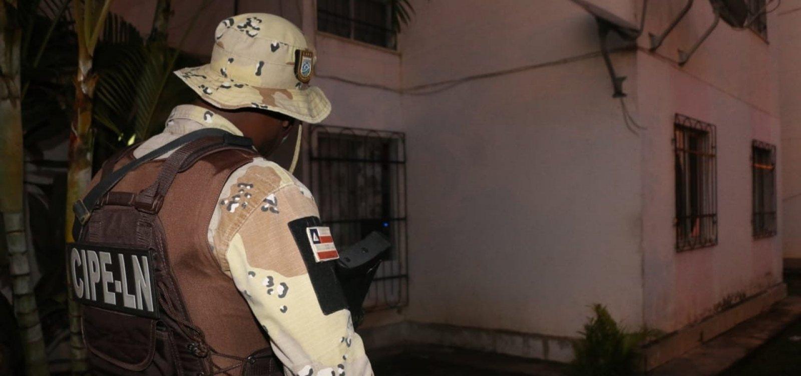 Polícia Civil cumpre mandados em Salvador, Lauro e Alagoinhas em operação contra tráfico de drogas
