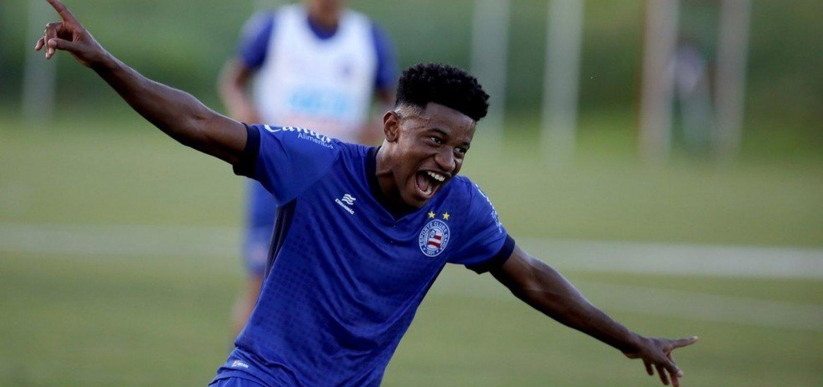Sem acordo por nova transferência, Eric Ramires volta ao Bahia com futuro incerto