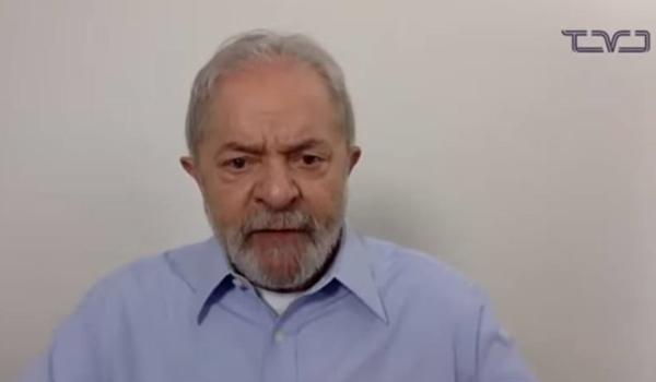 """""""Converteu o coronavírus em uma arma de destruição em massa"""", diz Lula sobre Bolsonaro em pronunciamento"""
