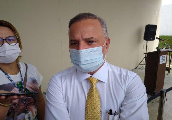 Testes de vacina russa na Bahia podem ser iniciados daqui a um mês, diz Vilas-Boas