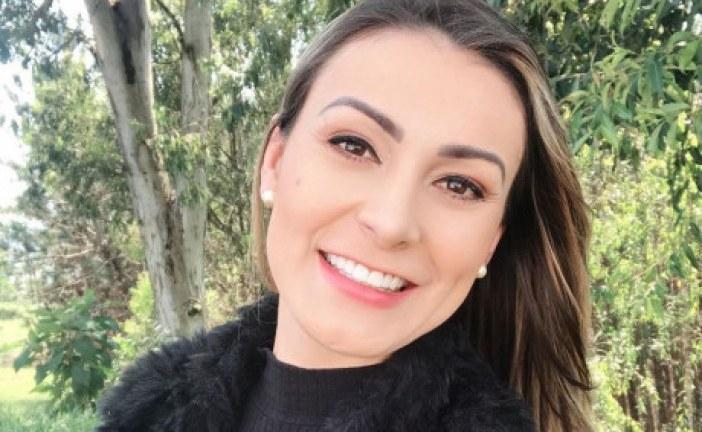 Andressa Urach muda visual, fala sobre saída da igreja e pede que evangélicos parem de seguí-la