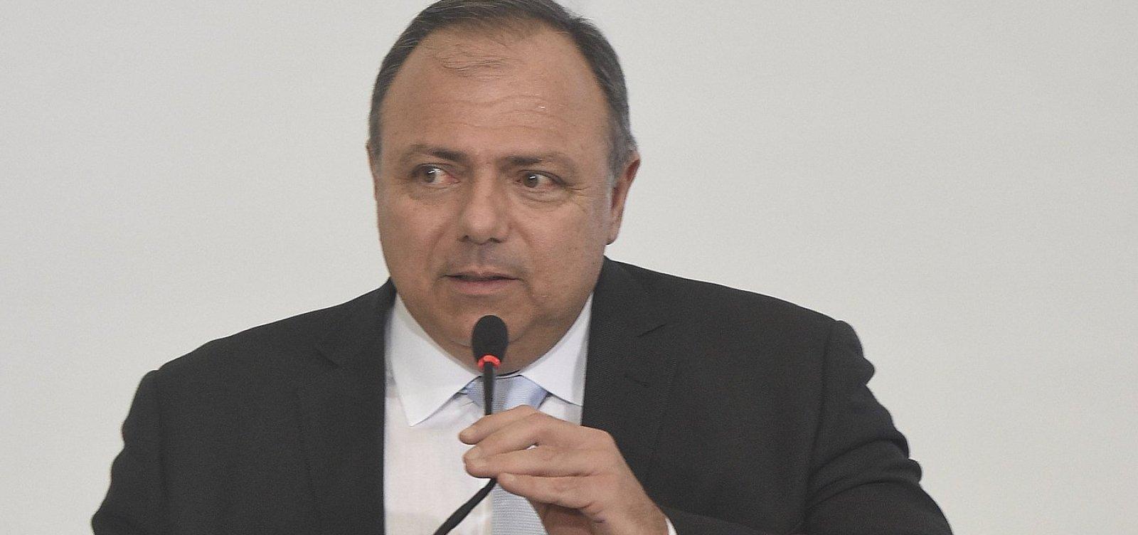 Ministro da Saúde ironiza 'ansiedade e angústia' por vacinação contra a Covid-19