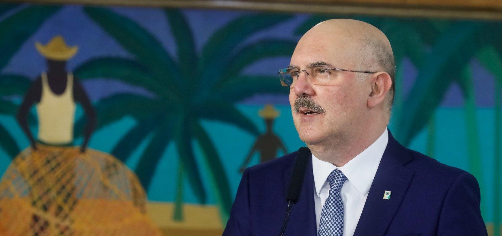 Aulas presenciais em universidades voltarão em 1º de março, diz ministro da Educação