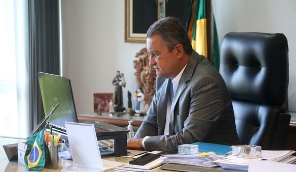 """Responsáveis por aglomerações e """"paredões"""" na Bahia vão responder criminalmente, anuncia Rui Costa"""