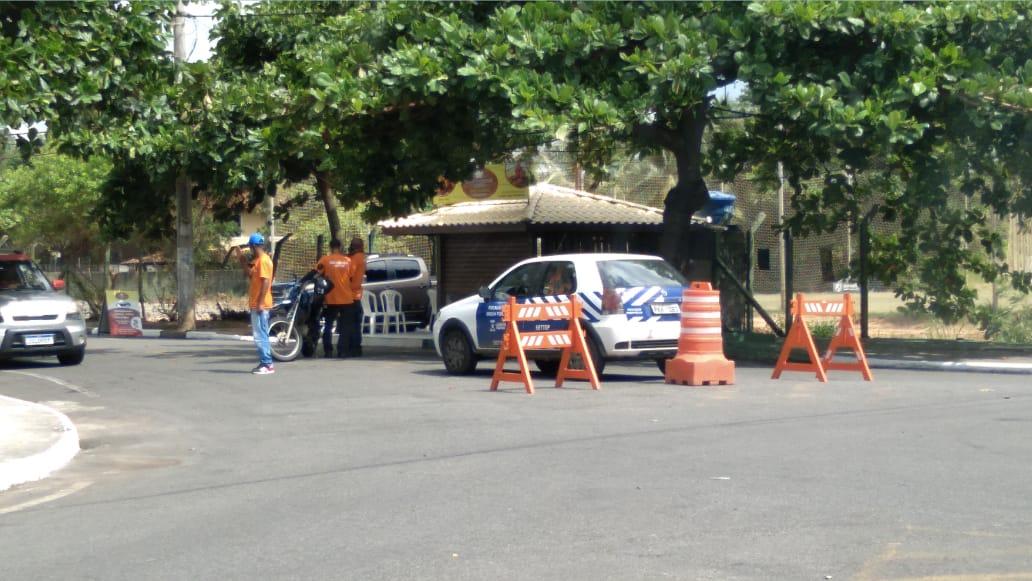 COVID-19: Fiscalização é intensificada nas praias de Lauro de Freitas e festa com aglomeração é encerrada