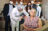 Lauro de Freitas já aplicou 806 doses da vacina, equivalente à metade da quota que recebeu do MS