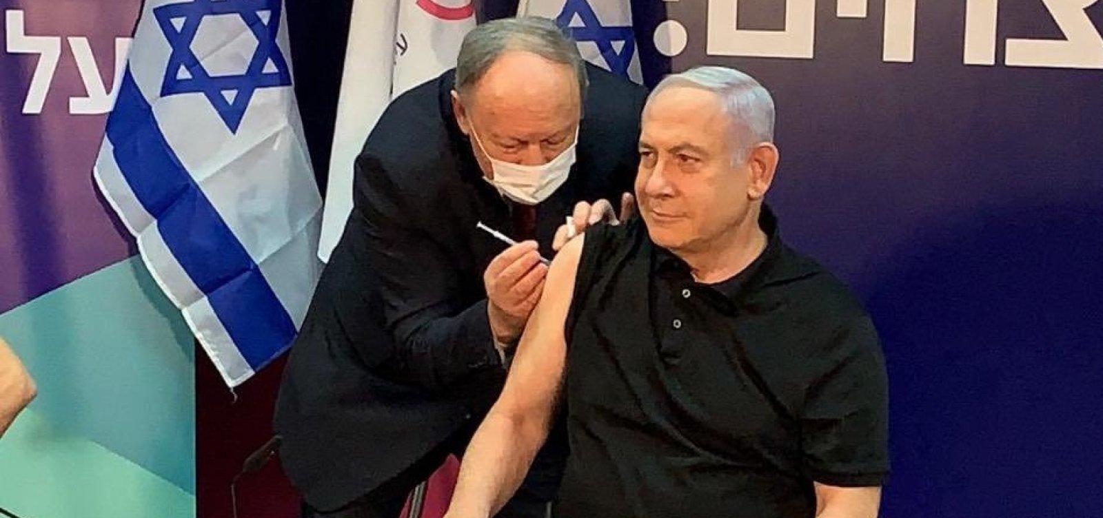 Com quase metade da população vacinada contra a Covid-19, Israel reabre economia