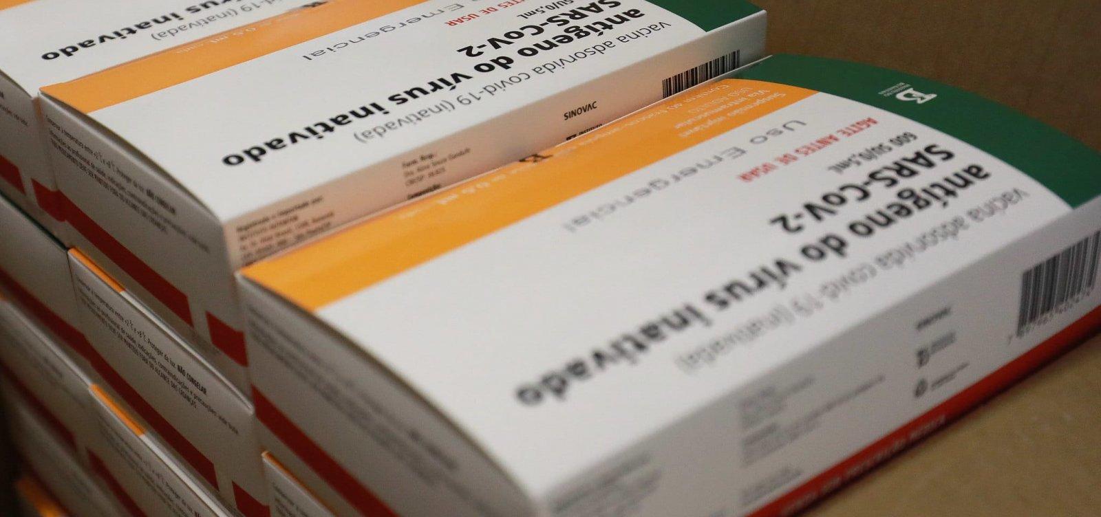 Instituto Butantan começa a produzir 8,6 milhões de doses da vacina Coronavac