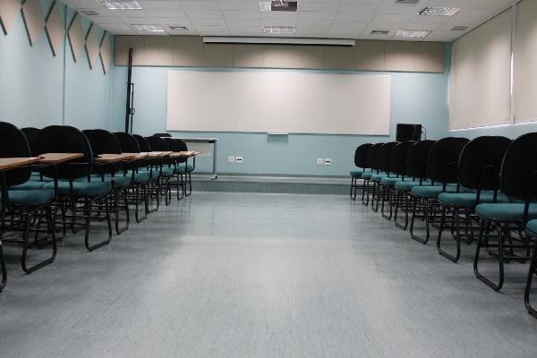 Justiça determina retorno imediato de aulas em escolas particulares da Bahia