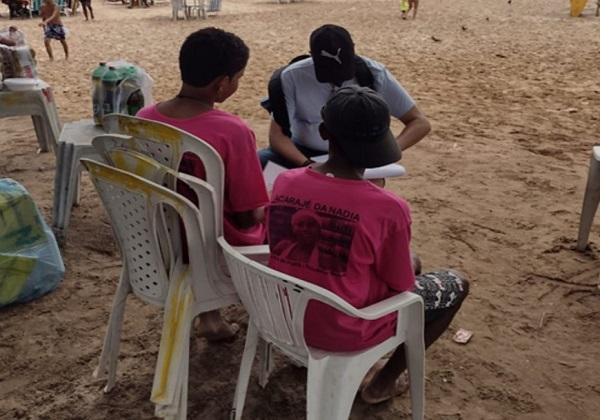 Cerca de 40 crianças são retiradas de trabalhos irregulares nas praias de Salvador e RMS