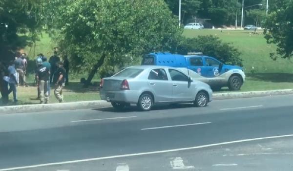 Jovem de 18 anos é morta a tiros e irmã fica ferida em tentativa de assalto em Salvador