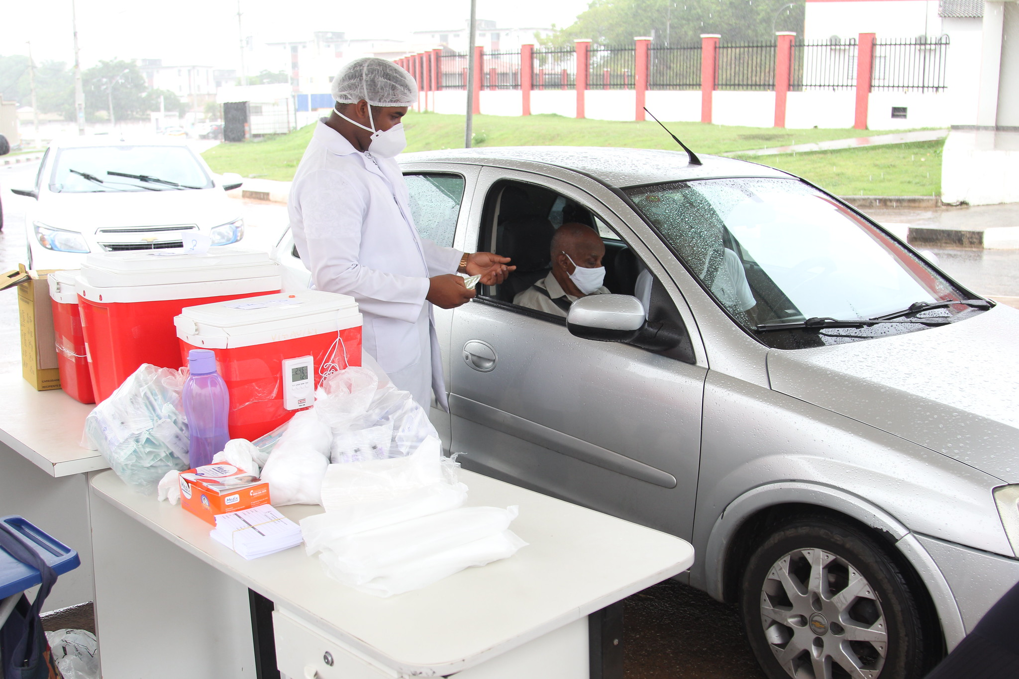 Lauro de Freitas inicia nesta quarta-feira (3) vacinação de idosos acamados de mais de 90 anos